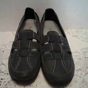 Navy blue, slight wedged i Comfort shoes